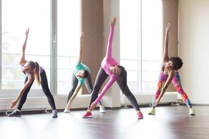 有酸素運動をする女性たち