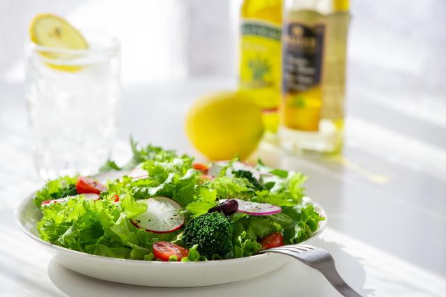 糖化を防ぐ食物繊維たっぷりのサラダ